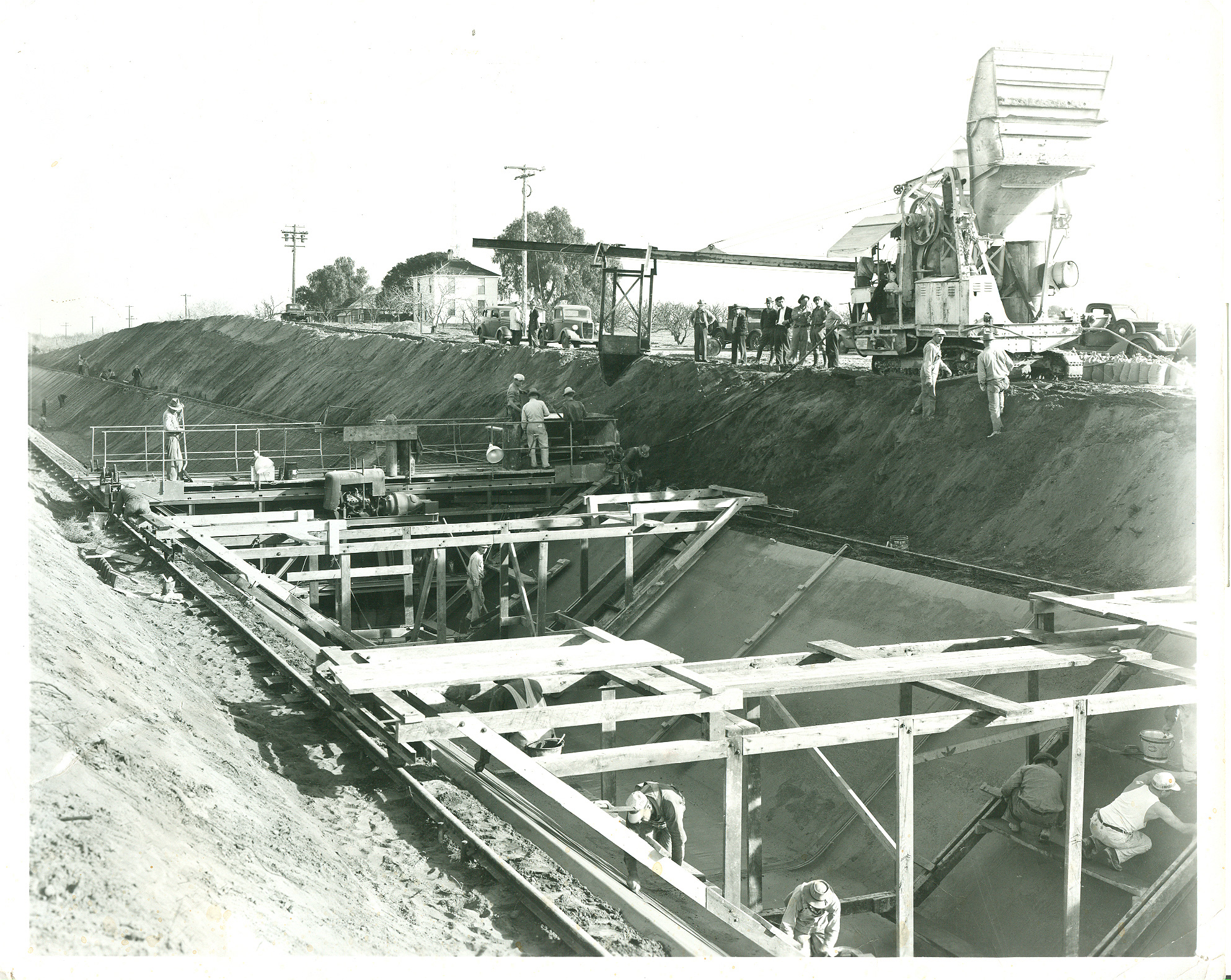 Early construction of the Contra Costa Canal