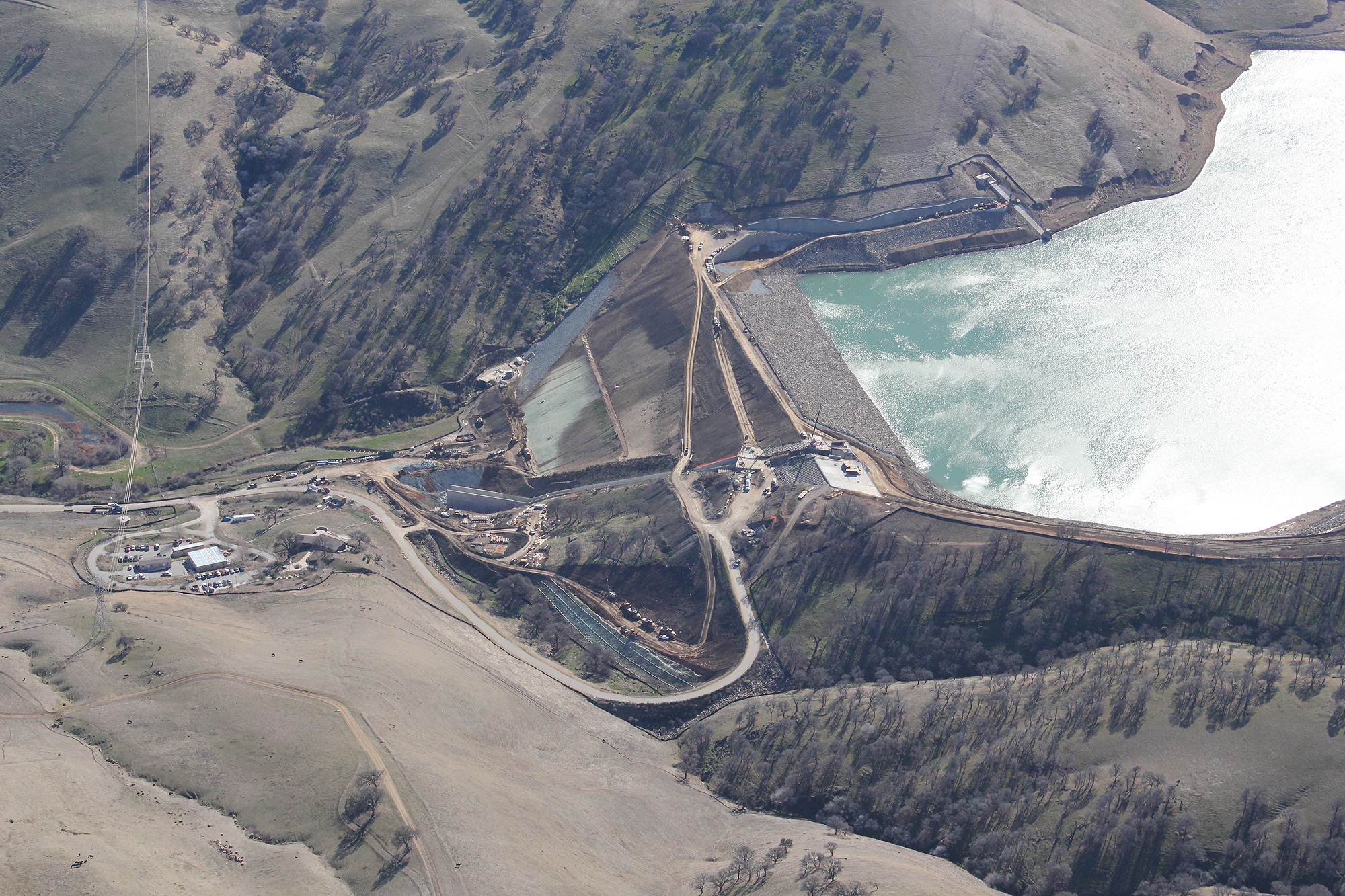 A nice overview of the dam project in January 2012